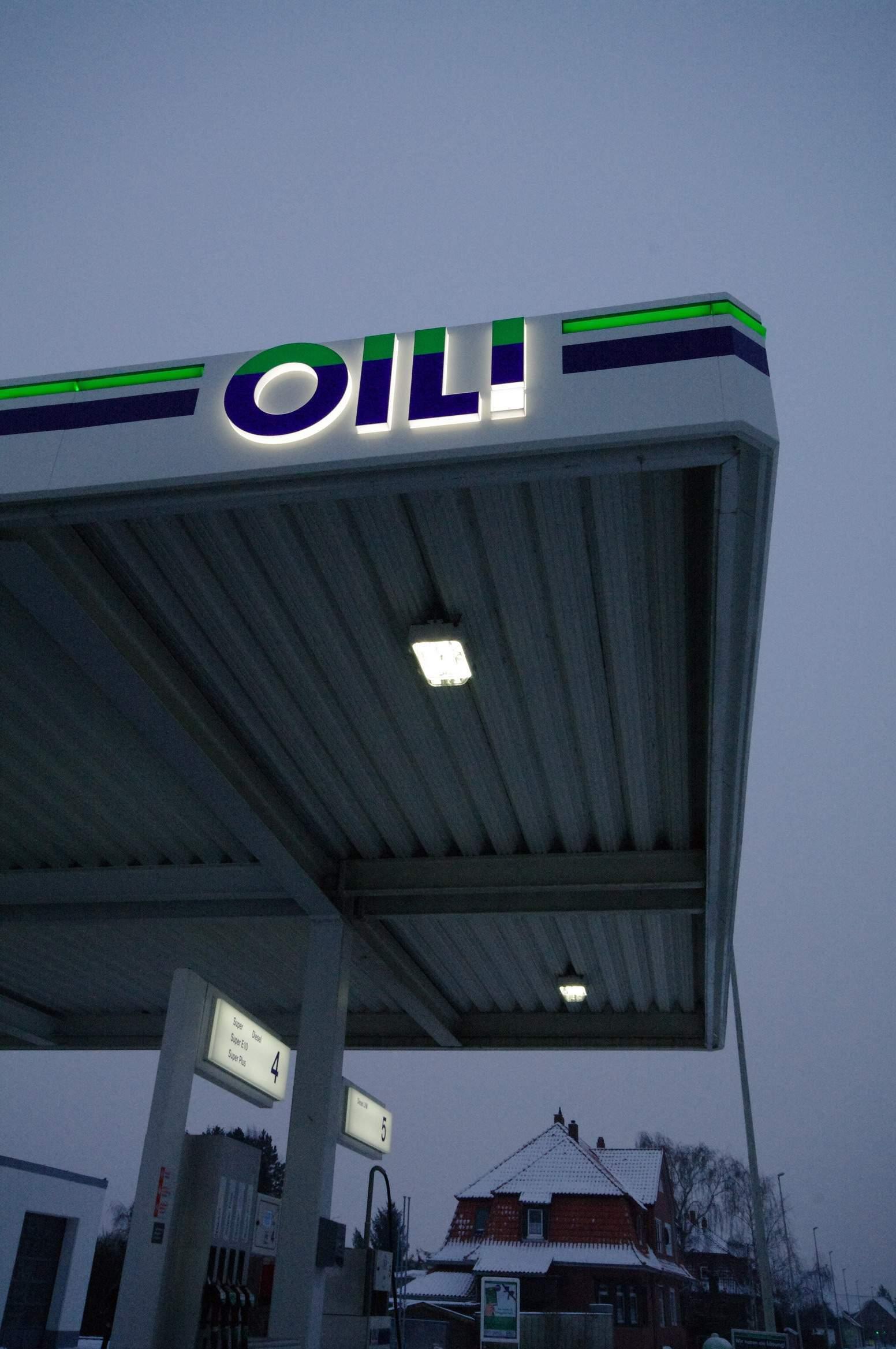 01-oil